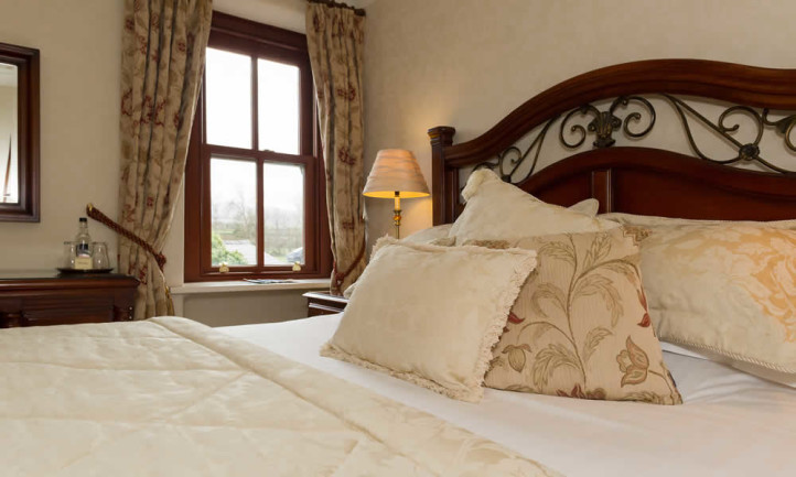 Room 11 Oxlip Bed