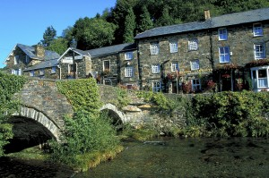 Prince Llewelyn Beddgelert North Wales Towns & Villages