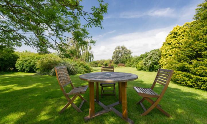 Relax In The Tyn Rhos Gardens