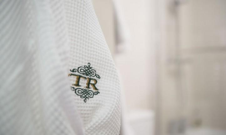 Tyn Rhos Robes