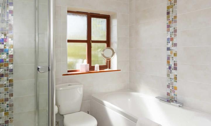 Room 14 Ladies Slipper With Designer Bathroom