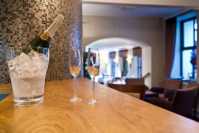 Tyn Rhos Champagne